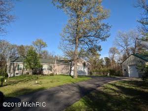 11646 Rybicki Road, Free Soil, MI 49411