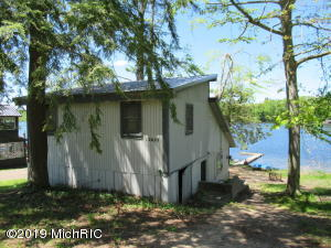 12627 Wells Lake Drive, Leroy, MI 49655