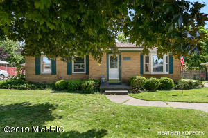1272 Den Hertog Street SW, Wyoming, MI 49509