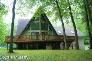 10853 Shawnee Trail, Canadian Lakes, MI 49346