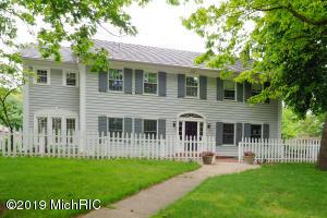 2330 Midvale Terrace, Kalamazoo, MI 49008