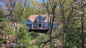 45532 Blue Star Highway, Coloma, MI 49038