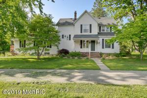 1497 Perkins Avenue NE, Grand Rapids, MI 49505