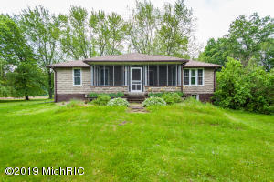 9302 Eaton Rapids Road, Springport, MI 49284
