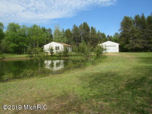 7584 E Freeman Road, Free Soil, MI 49411