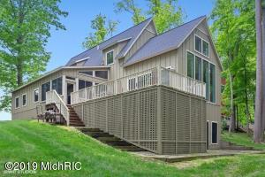 20 Orchard Lane, Buchanan, MI 49107