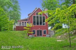 22 Orchard Lane, Buchanan, MI 49107