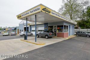 4305 Portage Street, Kalamazoo, MI 49001
