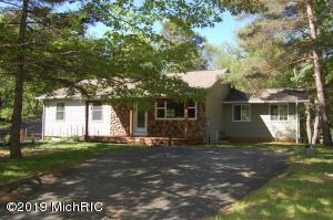 10077 Sweet Tree Lane, Canadian Lakes, MI 49346