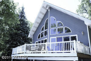 1486 Cove Point, Newaygo, MI 49337