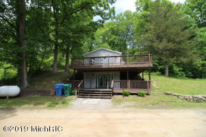 Property for sale at 102 Long Lake Drive, Hastings,  Michigan 49058
