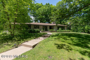 1324 Long Road, Kalamazoo, MI 49008