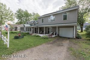 72 Oak Court, Brooklyn, MI 49230