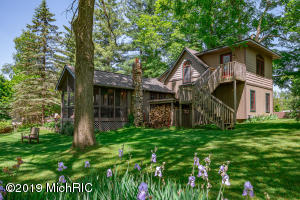 12085 Dutch Settlement Street, Marcellus, MI 49067