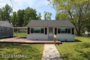 819 Hess Lake Drive, Grant, MI 49327