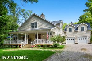 2431 Maple Avenue, Coloma, MI 49038