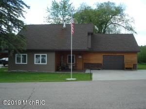 19745 W Chippewa Drive, Chippewa Lake, MI 49320