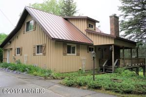 2960 S 13 Road, Harrietta, MI 49638