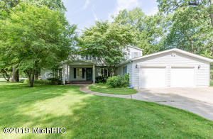 69100 Oakwood Drive, White Pigeon, MI 49099