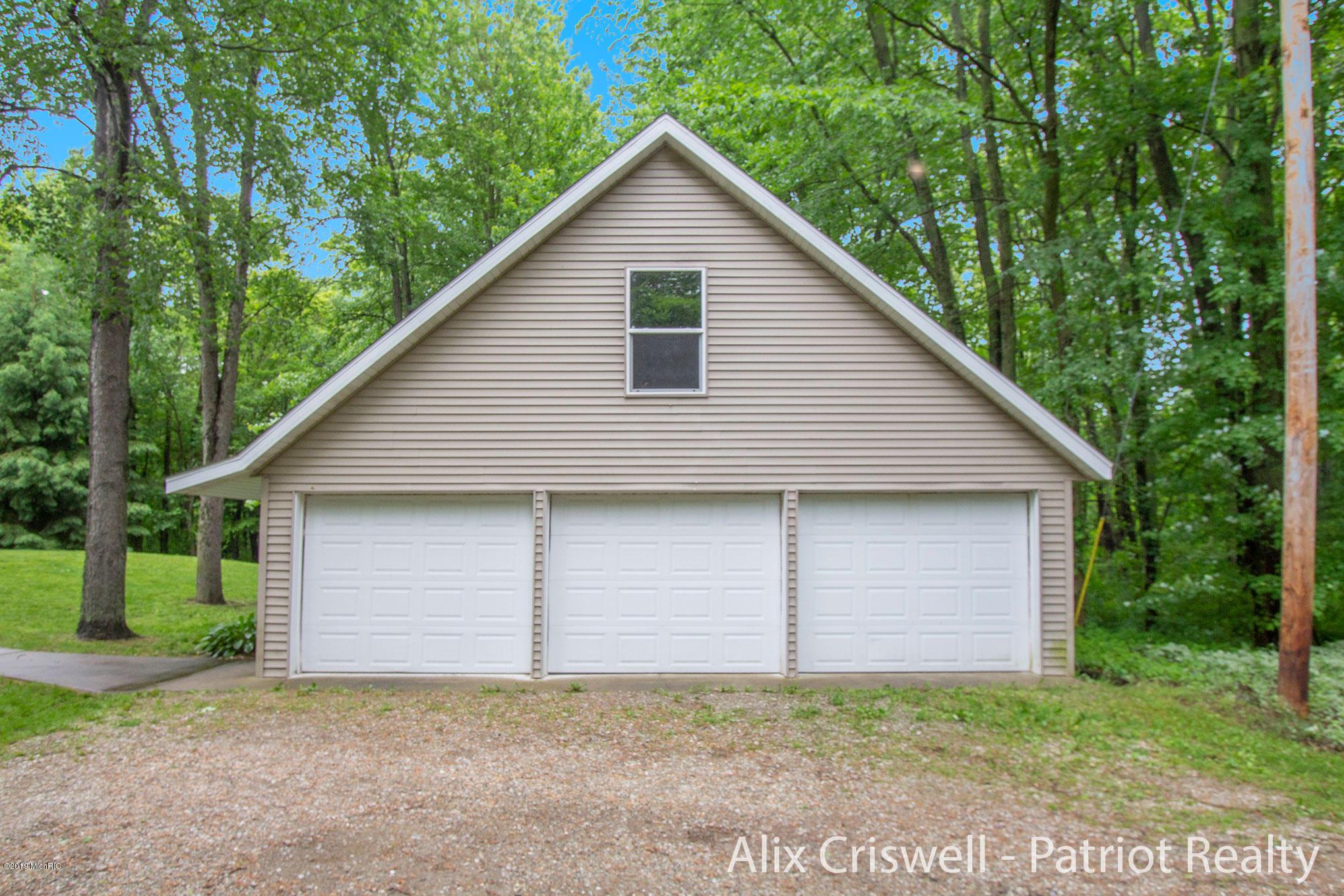 6079 126th Garage -9805