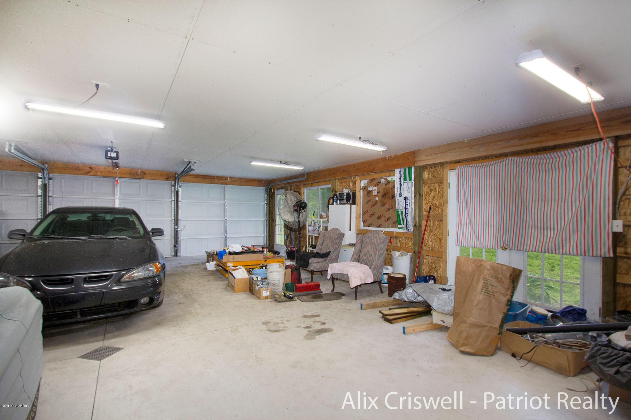 6079 126th Garage Main Level -9811