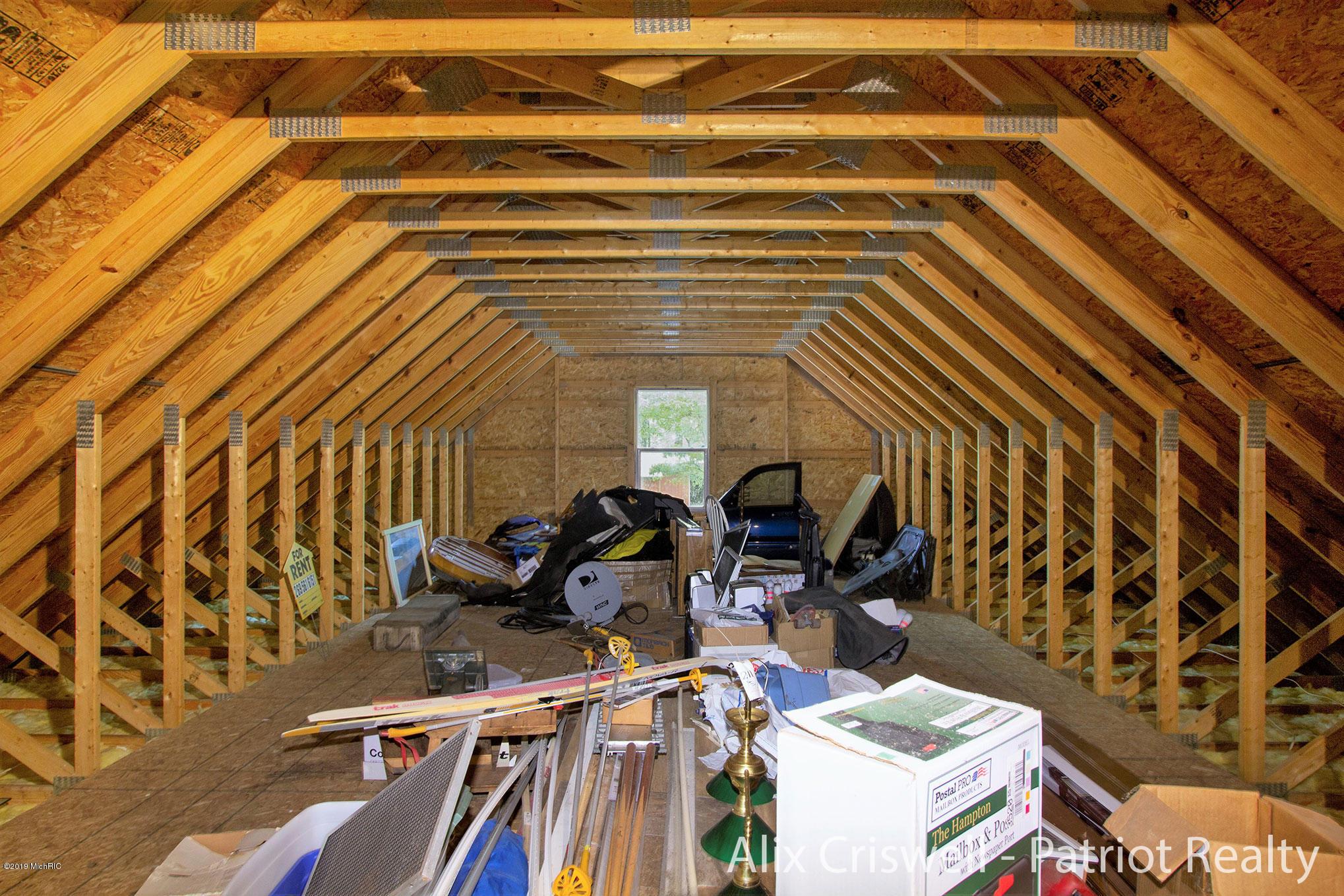 6079 126th Garage Upper Level -9815