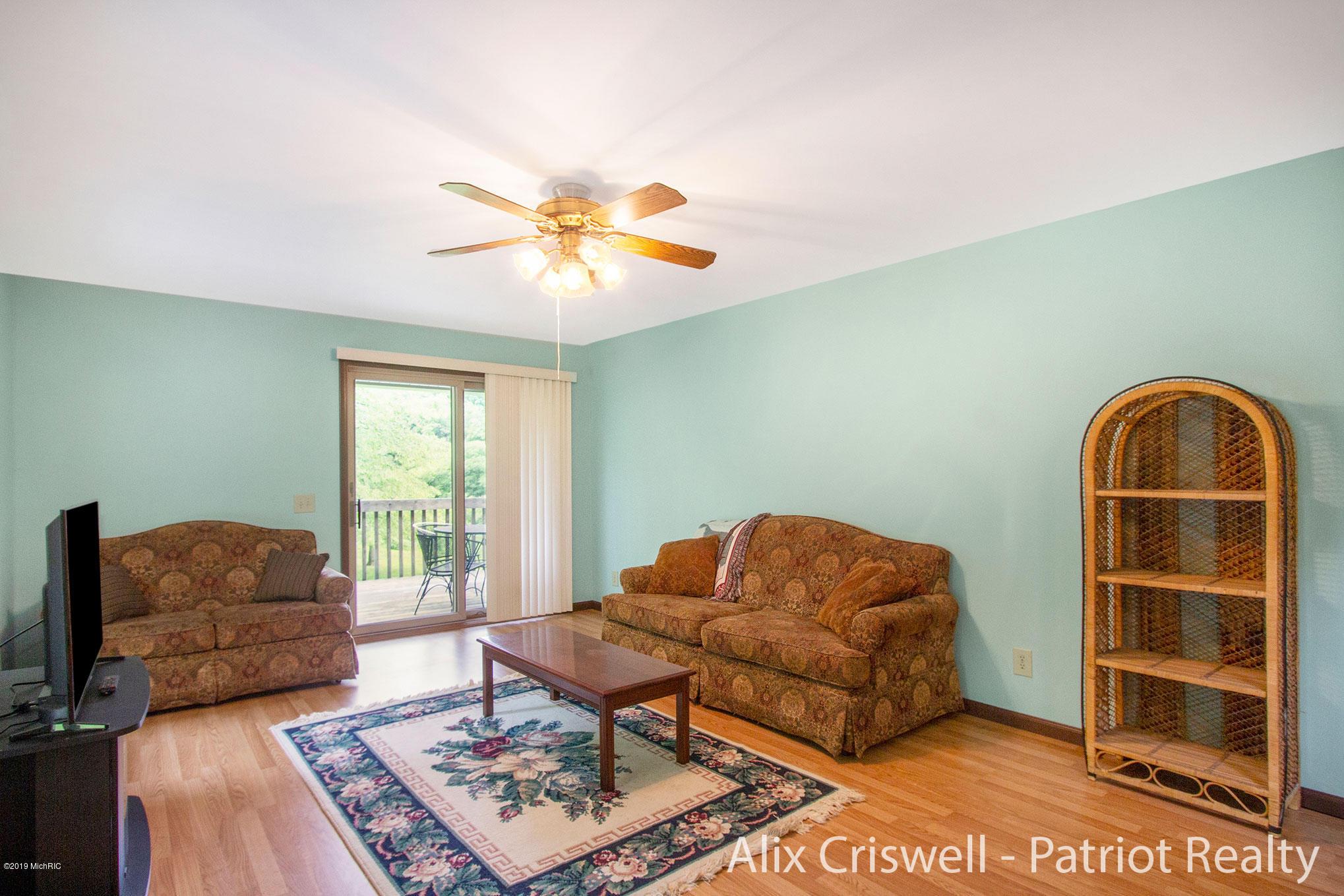 6079 126th Living Room -9748