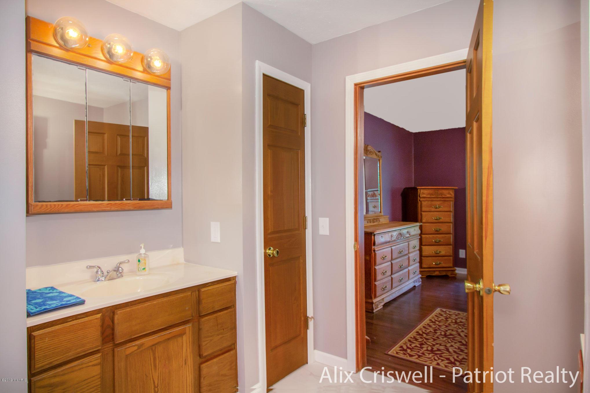 6079 126th Master Bathroom -9788