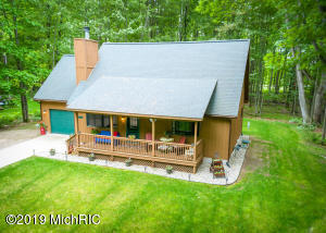 9229 White Birch Drive, Canadian Lakes, MI 49346