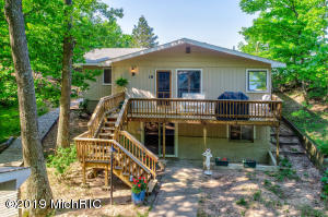 15016 Stickney Ridge Road, Grand Haven, MI 49417