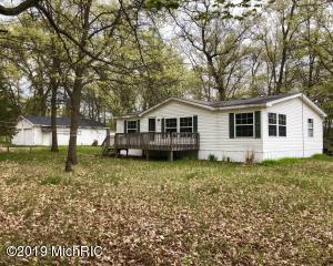 1022 W Echo Drive, White Cloud, MI 49349