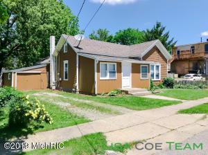 126 W Cross Street, Clarksville, MI 48815