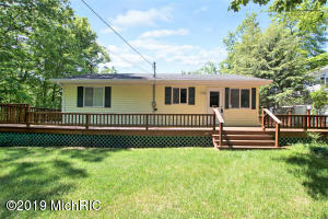 9247 Indian Hills Road, Montague, MI 49437