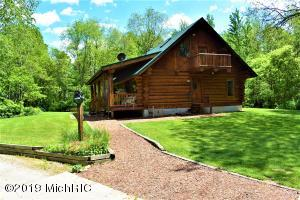 3083 Mundy Avenue, White Cloud, MI 49349