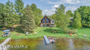 5543 N Sauble Lake Drive, Irons, MI 49644