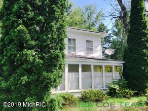 126 W Ferney Street, Clarksville, MI 48815