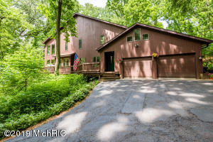 10675 SINGER LAKE Road, Baroda, MI 49101