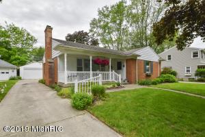 1421 Walwood Terrace NE, Grand Rapids, MI 49505