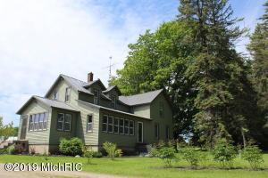 1043 E Freesoil Road, Free Soil, MI 49411