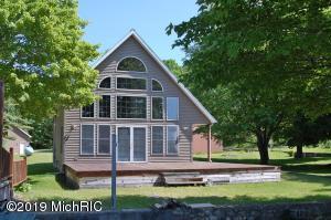 16155 Pretty Lake Drive, Mecosta, MI 49332