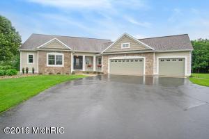 5474 Lamont Farm Drive, Coopersville, MI 49404