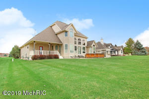 1095 Bundy Drive, Lake Isabella, MI 48893