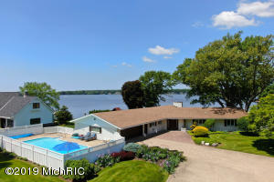 438 Brecado Court, Holland, MI 49423
