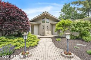1437 Hillsboro Avenue SE, Grand Rapids, MI 49546