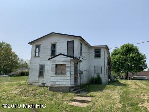 19165 3rd Street, Chippewa Lake, MI 49320