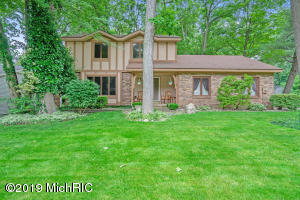 1710 Chateau Drive SW, Wyoming, MI 49519