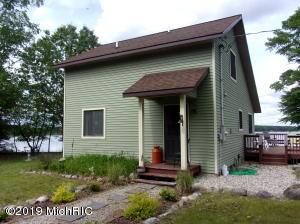 9770 W Anderson Trail Trail, Lake City, MI 49651
