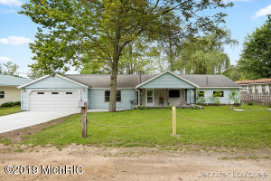 1031 Coolidge Drive, Six Lakes, MI 48886