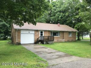 300 Eighth Street, Lakeview, MI 48850