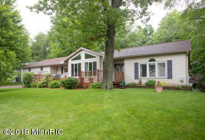 Property for sale at 11425 Long Point Drive, Plainwell,  Michigan 49080
